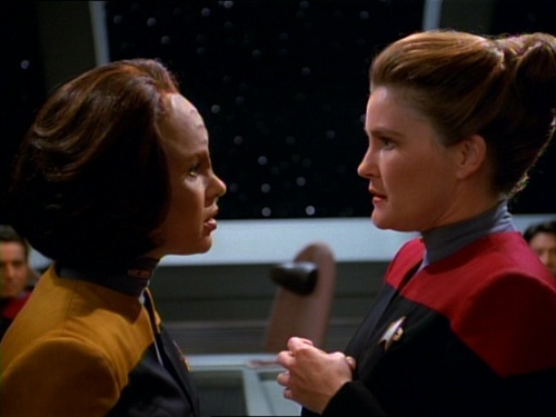 B'Elanna and Janeway talk about science