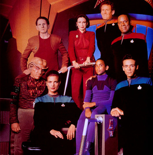 Season 1 DS9 publicity shot