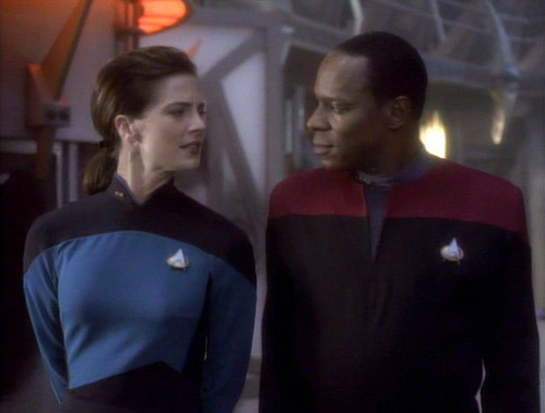 Sisko and Jadzia on the Promenade