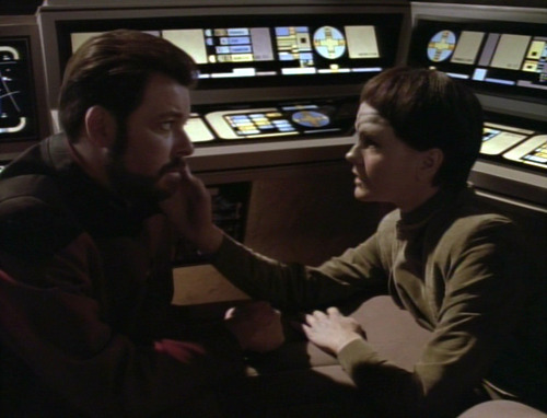 Soren touches Riker's face in the shuttle