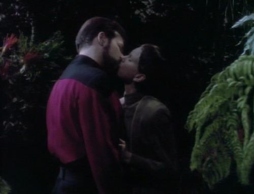 Riker and Soren kiss