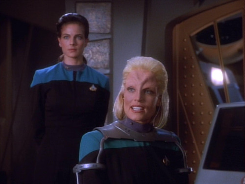 Melora defends herself to Sisko