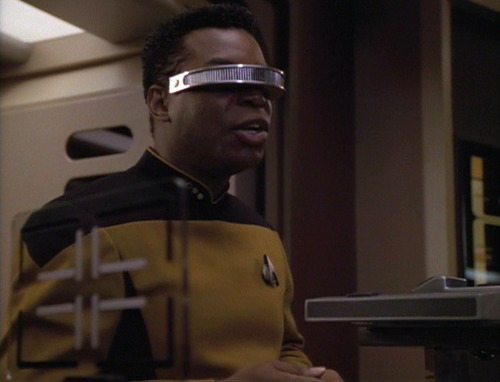 Geordi talks to Hannah