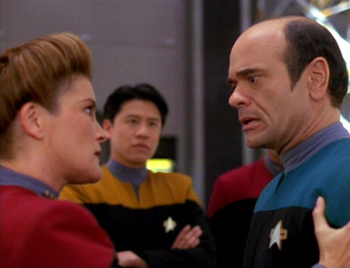 Janeway talks to the Doctor in the holodeck