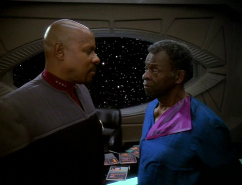 Sisko talks to his father Joseph