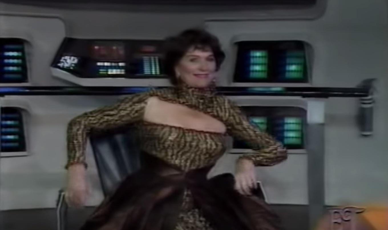 Majel as Lwaxana on the bridge