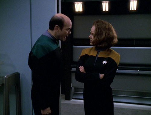 The Doctor argues with B'Elanna