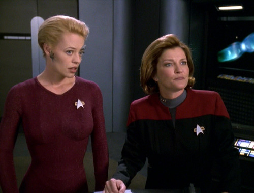 Seven and Janeway in Astrometrics, looking unimpressed
