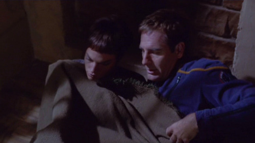 Archer offers to share the blanket with T'Pol