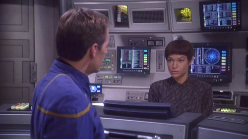Archer talks to T'Pol at her bridge station
