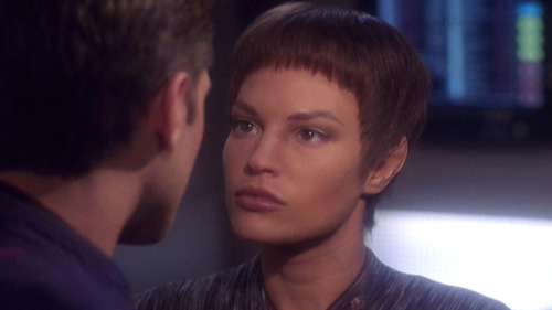 T'Pol angry at Trip