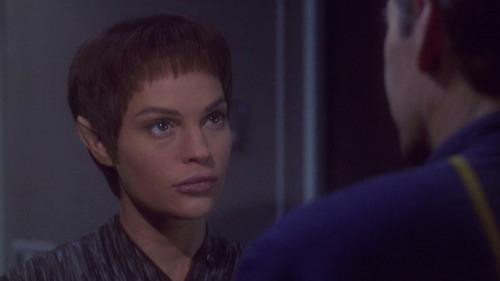 T'Pol talks to Archer