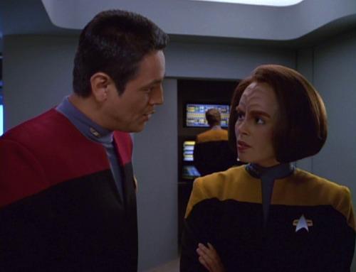 Chakotay talks to B'Elanna