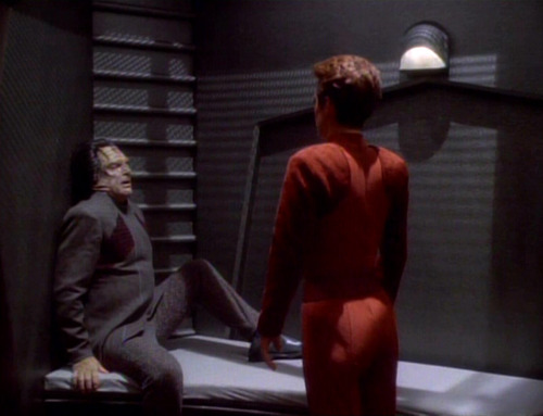 Kira faces Marritza in his cell