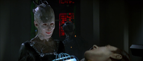 The Borg Queen meets Data in First Contact