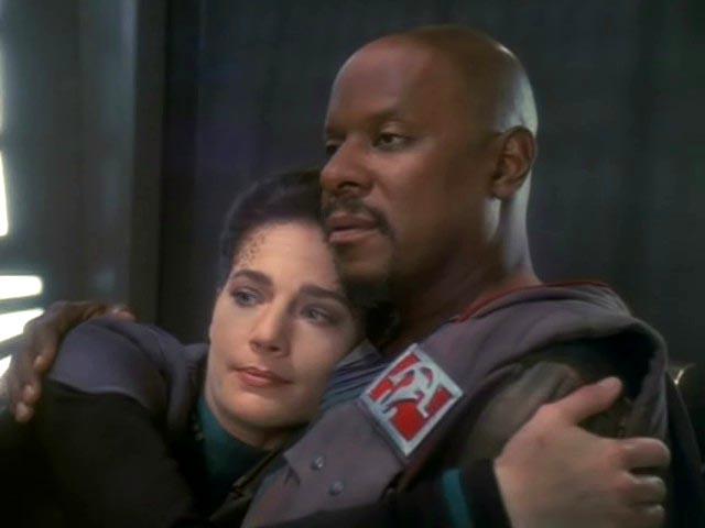 Sisko comforts Dax