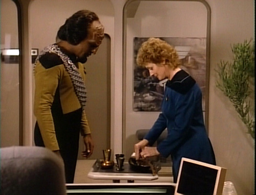 Pulaski and Worf's tea ceremony