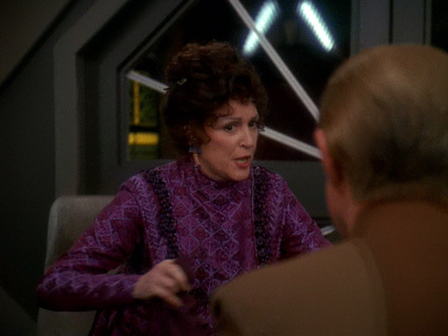 Lwaxana talks to Odo in his office