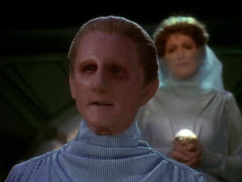 Odo makes a speech at his wedding to Lwaxana