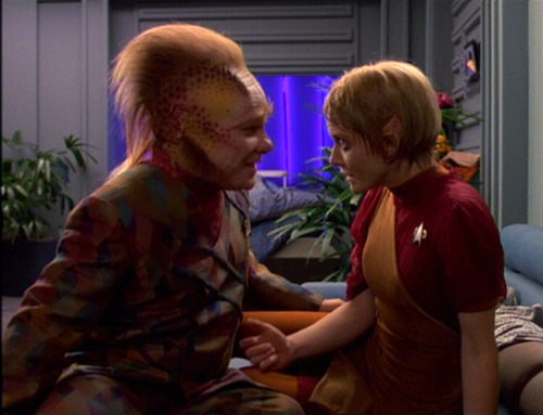 Kes and Neelix talk about becoming parents in her quarters