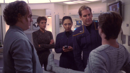 Archer, Phlox, T'Pol and Hoshi in a Valakian hospital
