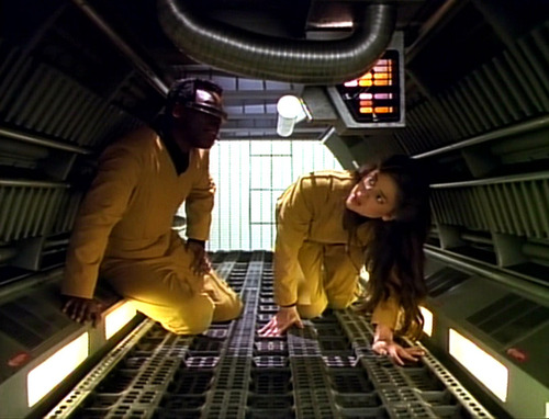 Geordi and Leah in a Jeffries Tube