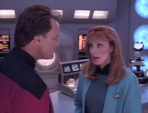 Q talks to Dr. Crusher