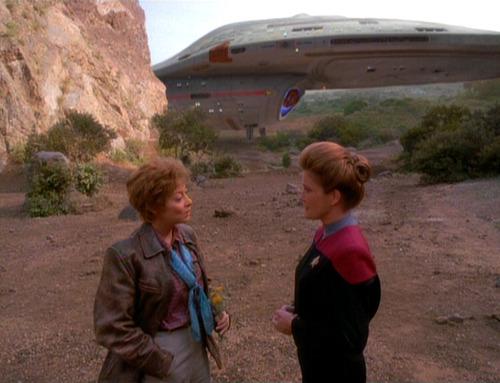 Janeway talks to Amelia Earhart