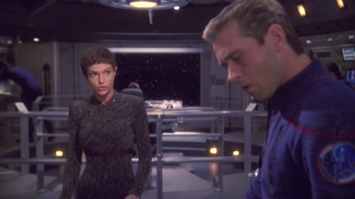T'Pol talks to Trip on the bridge