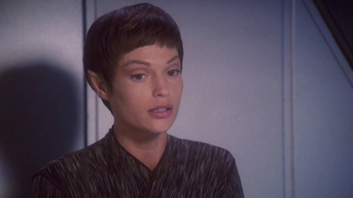 T'Pol telling the others what she thought of the movie