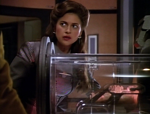 Leah Brahms examines the Enterprise's warp core