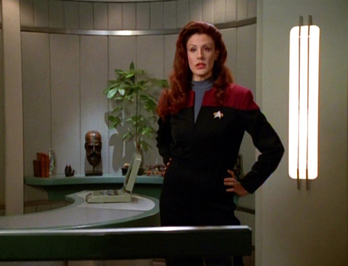 "Suzie Plakson as Q in Voyager's ""The Q and the Grey"""