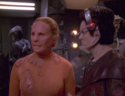 Diseased female changeling and Weyoun