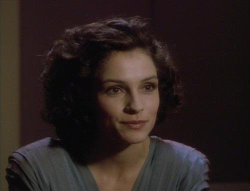 Kamala talks to Picard