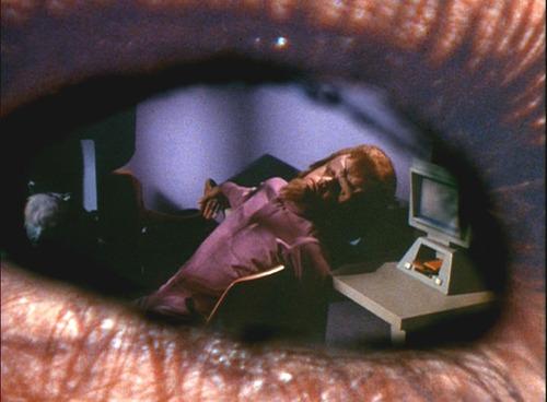 Image of a dead man in Romaine's eye