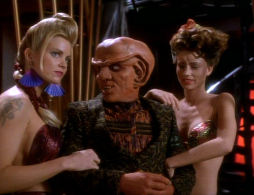 Quark with two beautiful women on his arm