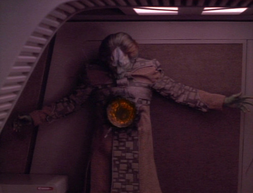 Jo'Bril is shot in the shuttle