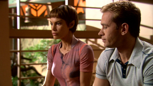 T'Pol and Trip sit awkwardly