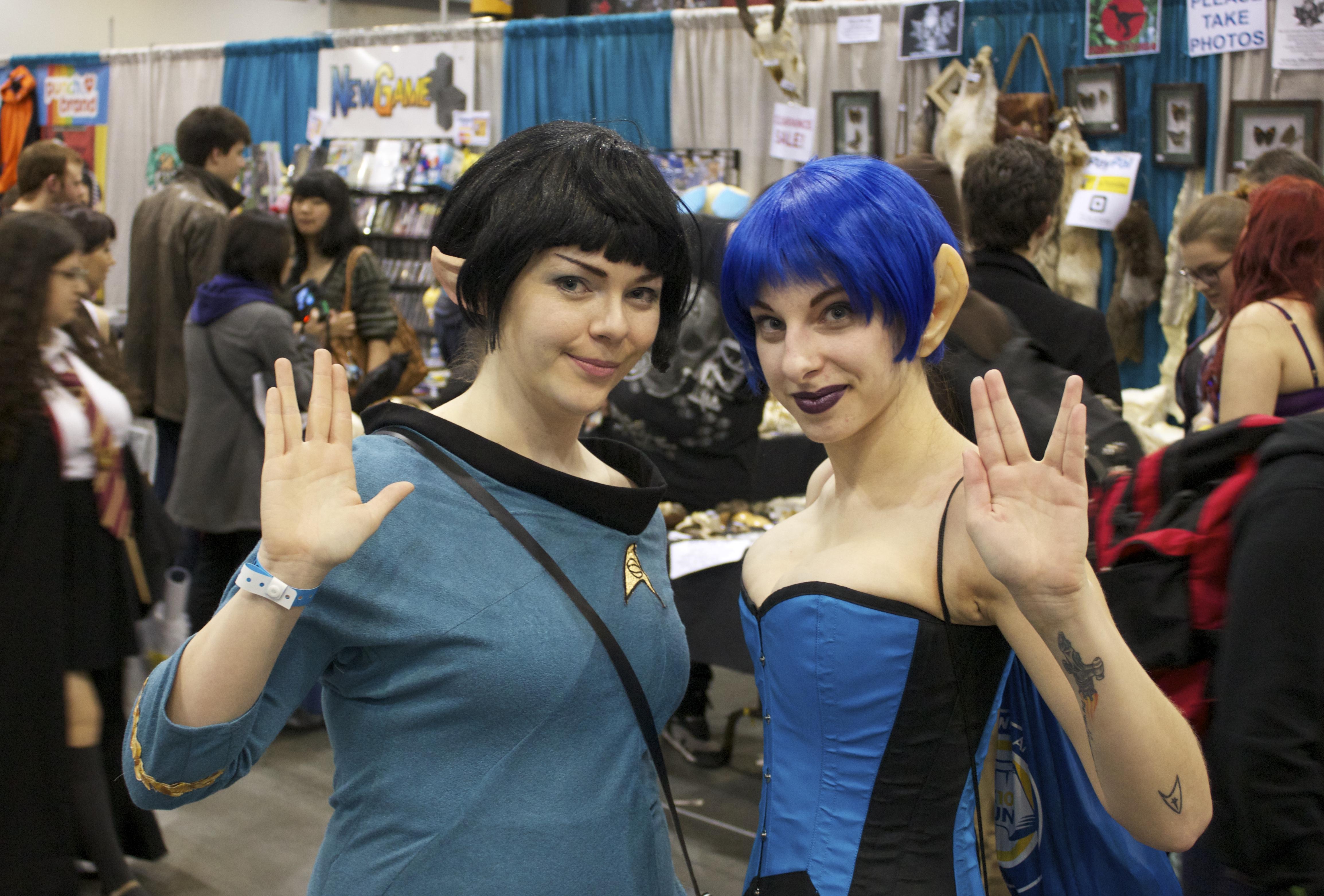 two Vulcan women cosplay