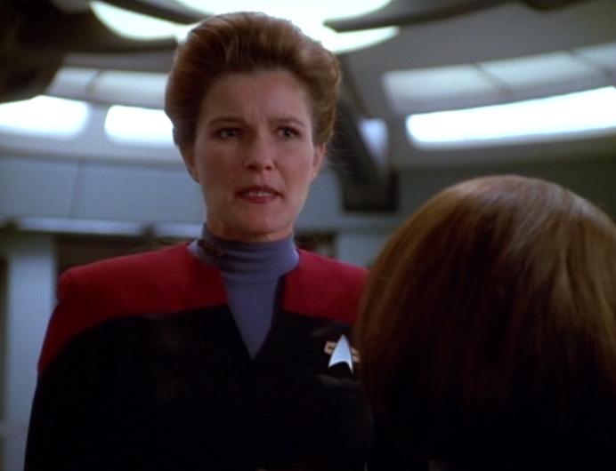 Janeway talks to B'Elanna