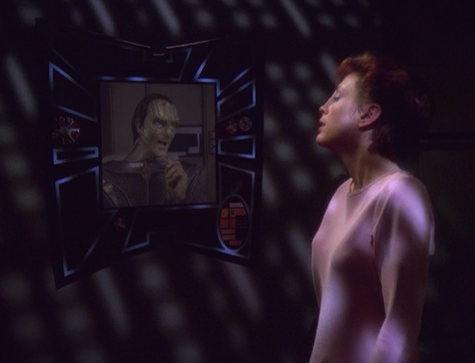 Kira sees Dukat on the monitor