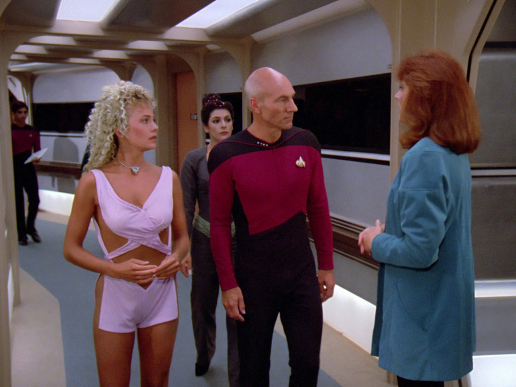 Picard and Curlz talk to Crusher