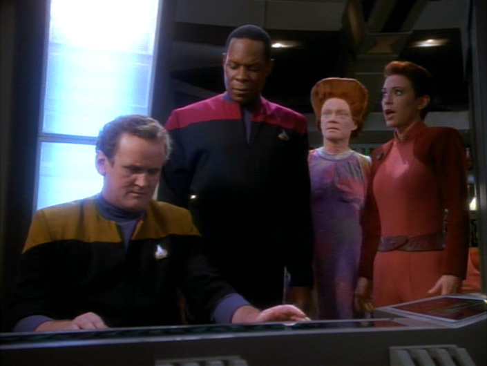 O'Brien works in Ops with Sisko, Haneek and Kira behind him