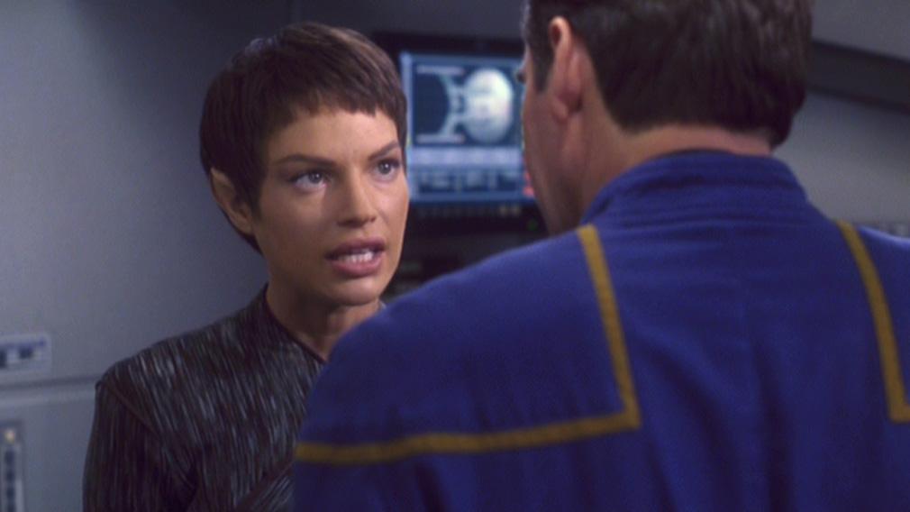T'Pol and Archer argue on the bridge