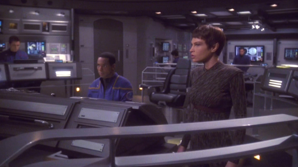 T'Pol on the bridge