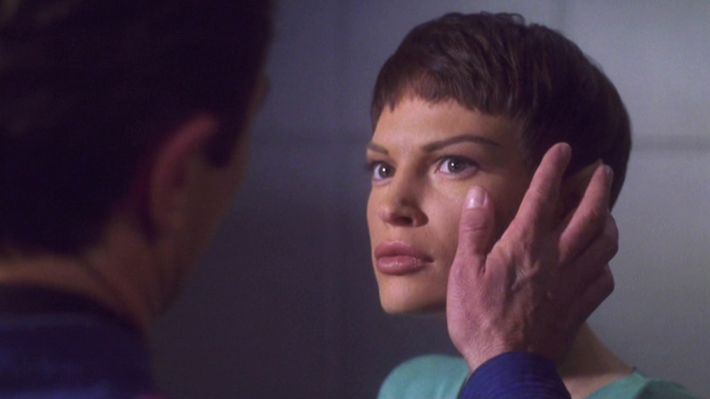 Reed touches T'Pol's face