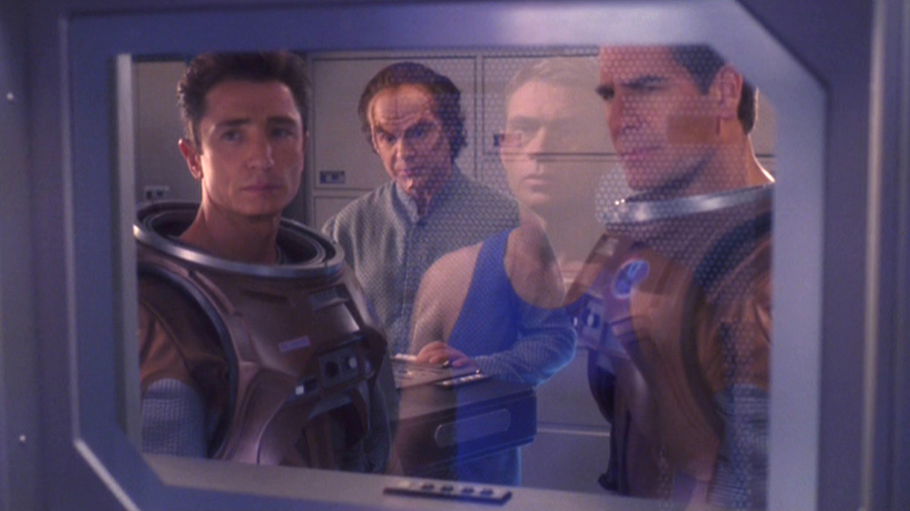Trip in the decon chamber, being observed by Reed, Phlox and Archer