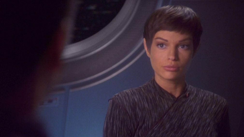 T'Pol talks with Archer