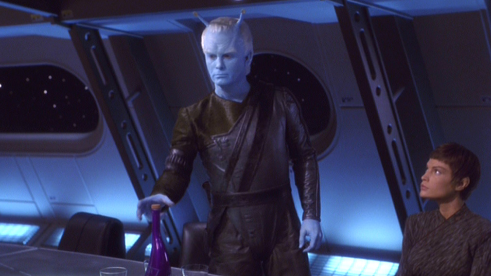 Shran at the diplomatic table on Enterprise with T'Pol