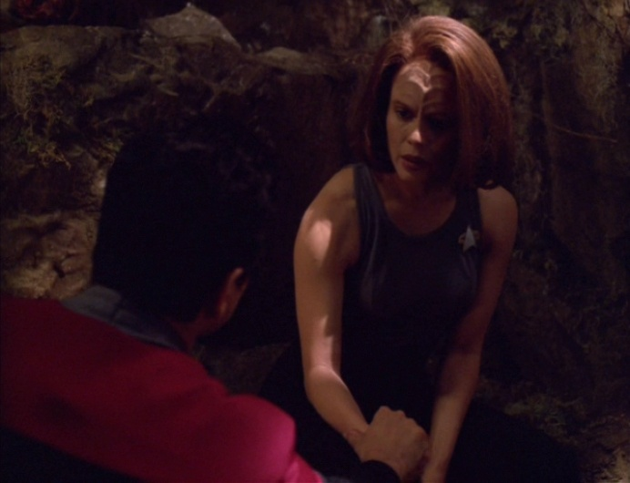 Chakotay confronts B'Elanna in the holodeck